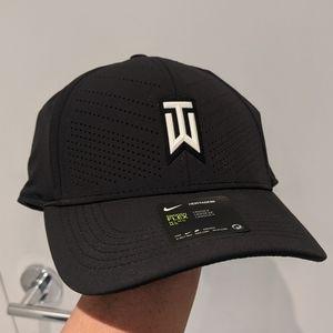 Nike Tiger Woods Aerobill Heritage86 Dri-Fit Cap